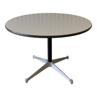 1960s Mid-Century Modern Eames for Herman Miller Round Dining Table For Sale