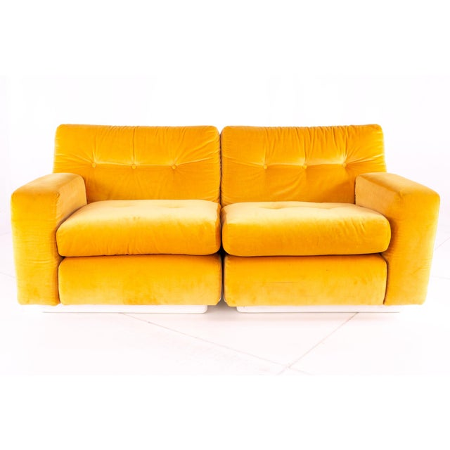 Jack Cartwright for Founders Mid Century Sectional Fiberglass Sofa 62 wide x 33.5 deep x 29 high with a seat height of...