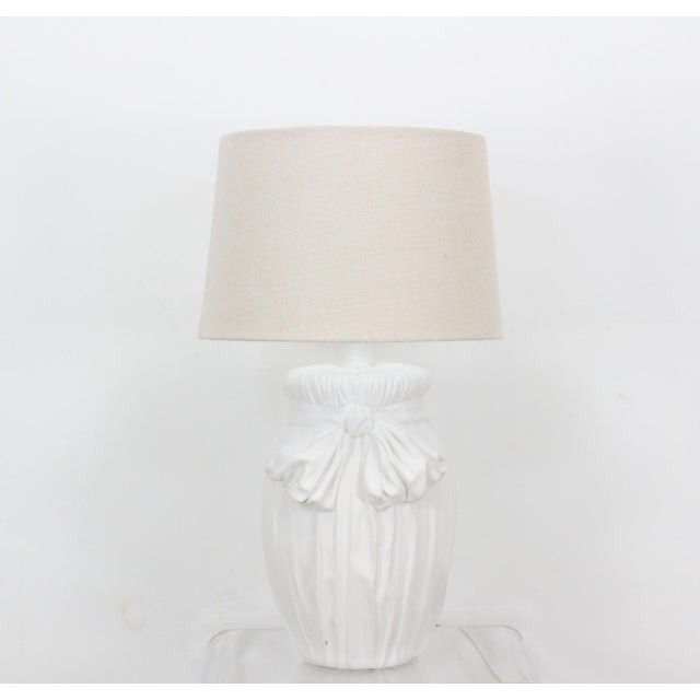 Mid-Century Plaster Table Lamp With Ribbon Motif For Sale - Image 4 of 4