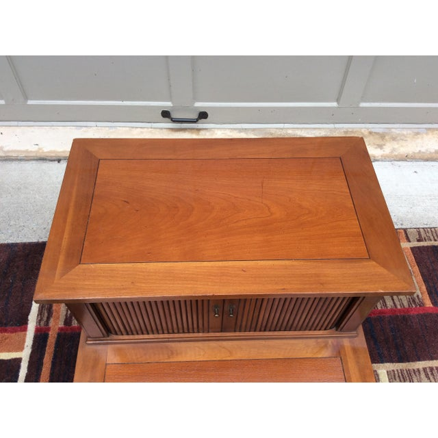 Hekman Furniture Mid-Century Modern End / Side Table For Sale - Image 10 of 12