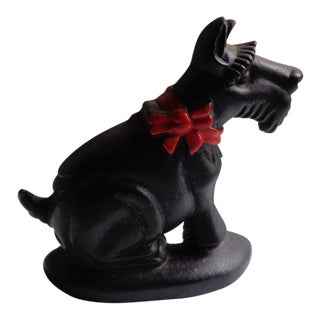 Mid-Century Cast Iron Scottish Terrier Dog Doorstop With Holiday Bow For Sale