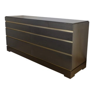 Vanguard Furniture Contemporary 9-Drawer Dresser For Sale