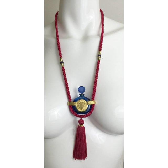 Art Deco Vintage Rochas Tassel Perfume Pendant Necklace For Sale - Image 3 of 6