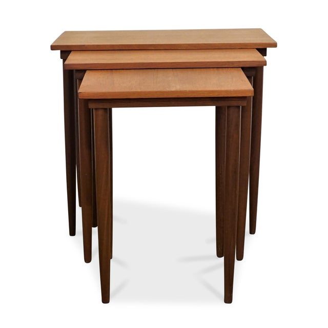 Time Period: 1950´s Dimensions: 18.75 in High x 20.5 in width/Length x 12.55 in Deep Material: Teak About the design: Mid-...
