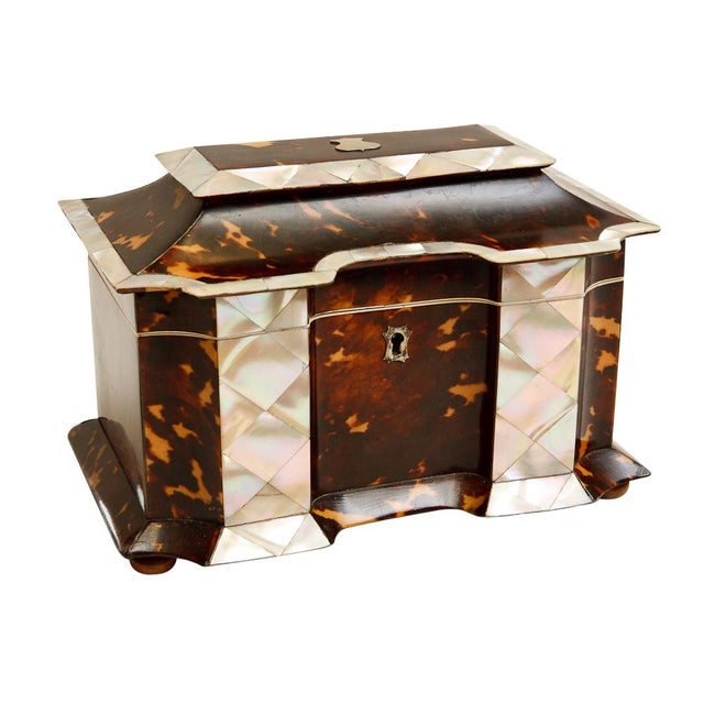19th Century Tortoise Shell Tea Caddy with Mother of Pearl Inlay For Sale In West Palm - Image 6 of 6