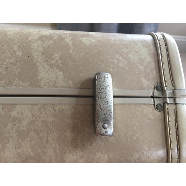 Vintage Royal Traveler Suitcase For Sale In Philadelphia - Image 6 of 11