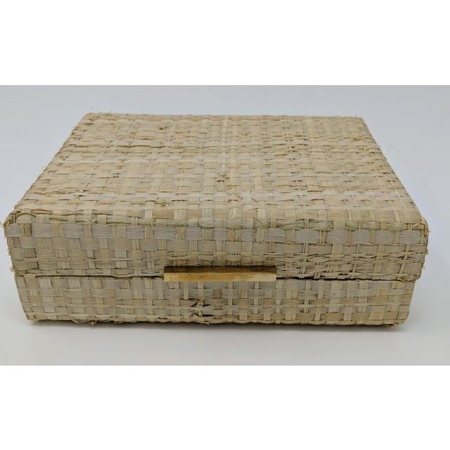 Ralph Lauren Ralph Lauren Inspired Woven Straw Keepsake Box With Brass Hardware For Sale - Image 4 of 11