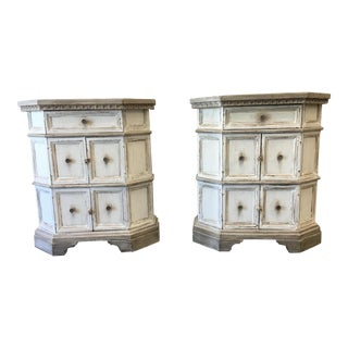 Lovely Pair of Italian Painted Nightstands - 20th C For Sale