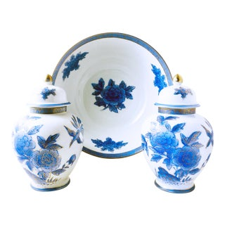 Delft Style Royal Blue + White Ginger Jars and Bowl For Sale