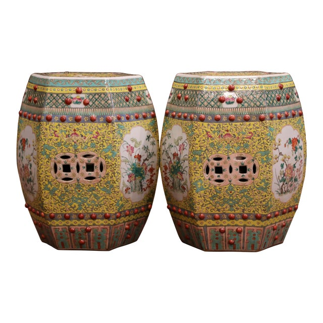 Mid-20th Century Chinese Porcelain Garden Stools With Floral and Foliage - a Pair For Sale