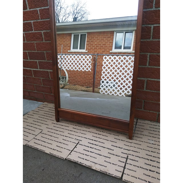 1960s Vintage Merton Gershun for Dillingham Espirit Collection Walnut Wall Mirror For Sale In Detroit - Image 6 of 9