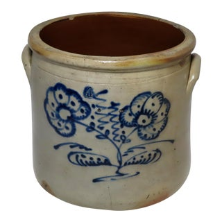 Antique Early American Blue Decorated 4 Gallon Storage Crock For Sale