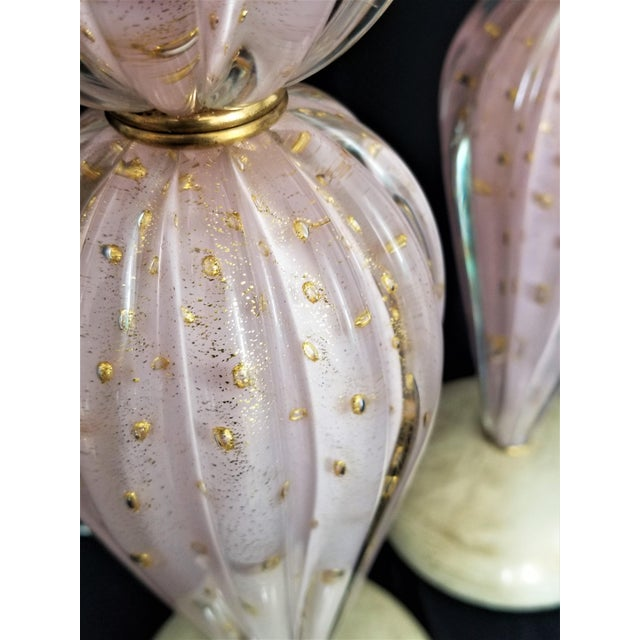 1950s Murano Glass Lamps by Alfredo Barbini -A Pair-Pink & Gold- Restored - Italy Italian Venetian Mid Century Modern Hollywood Regency Palm Beach Boho Chic For Sale - Image 5 of 9