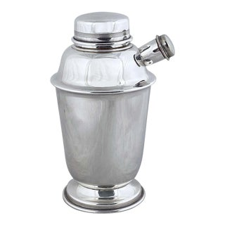 English Cocktail or Martini Shaker From the Art Deco Period For Sale