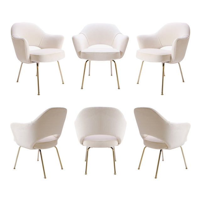 Saarinen Executive Arm Chairs in Crème Velvet, 24k Gold Edition - Set of 6 For Sale