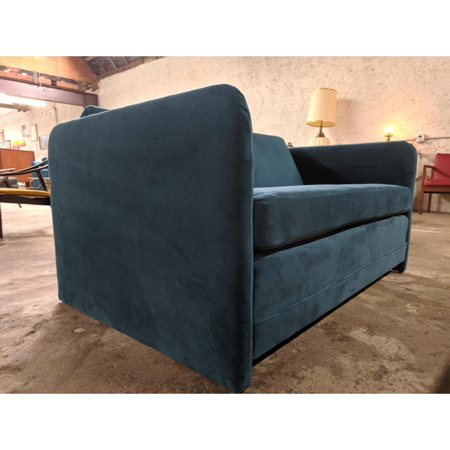 Vintage 1980's Reupholstered Love Seat in Crushed Turquoise Velvet With Rounded Arms For Sale - Image 4 of 9