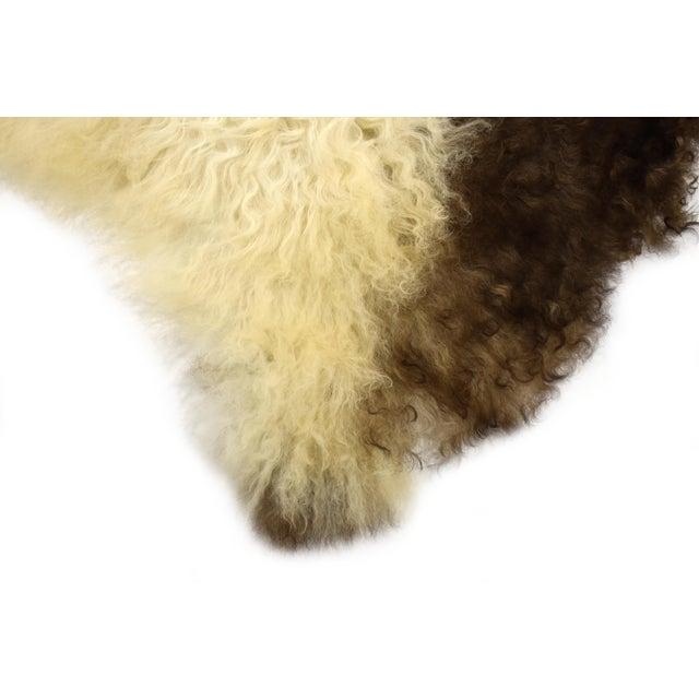 "Unique Handmade Beige Brown Wool Sheepskin Rug, Seat Cushion - 2'7"" X 4'3"" - Image 3 of 8"