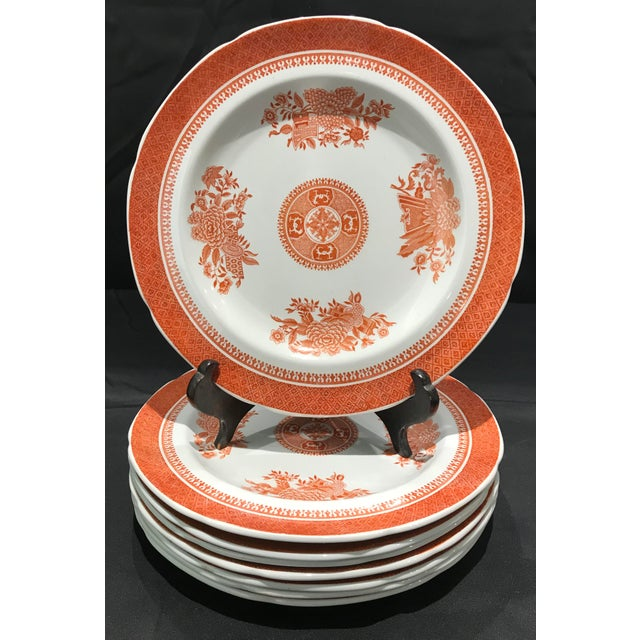 English 1950s Coral Copeland Spode Fitzhugh Plates 3 Piece Service for 8 - Set of 26 For Sale - Image 3 of 12