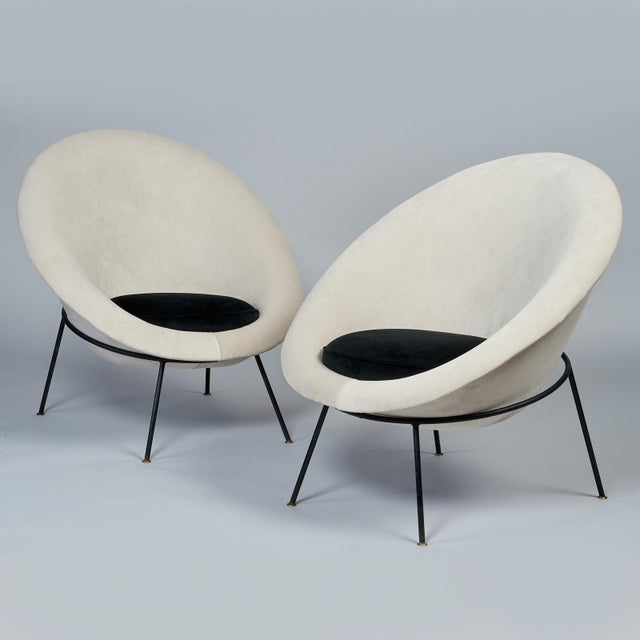 Ico Parisi 1950s Vintage Velvet and Lacquered Metal Egg Chairs- A Pair For Sale - Image 4 of 10