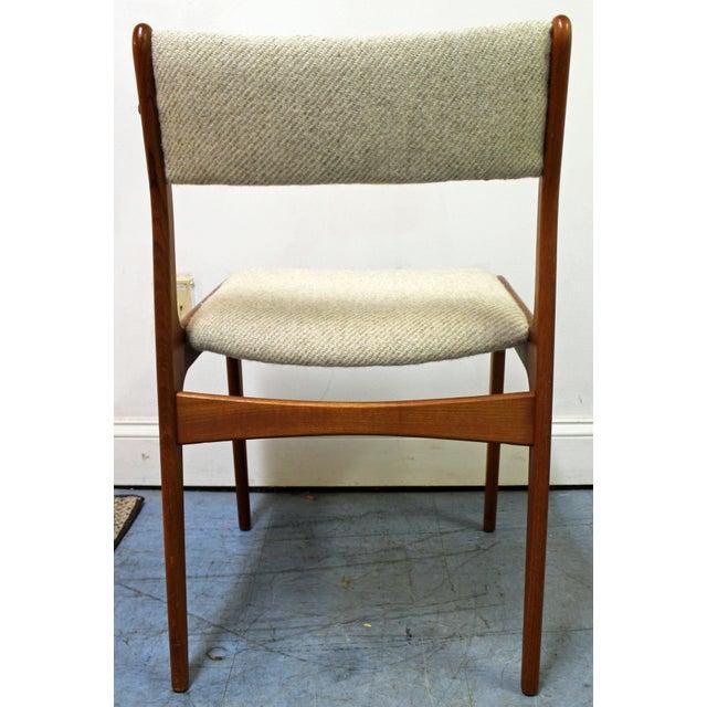 Uldum Møbelfabrik Johannes Andersen Uldum Danish Modern Teak Dining Chairs - Set of 8 For Sale - Image 4 of 12