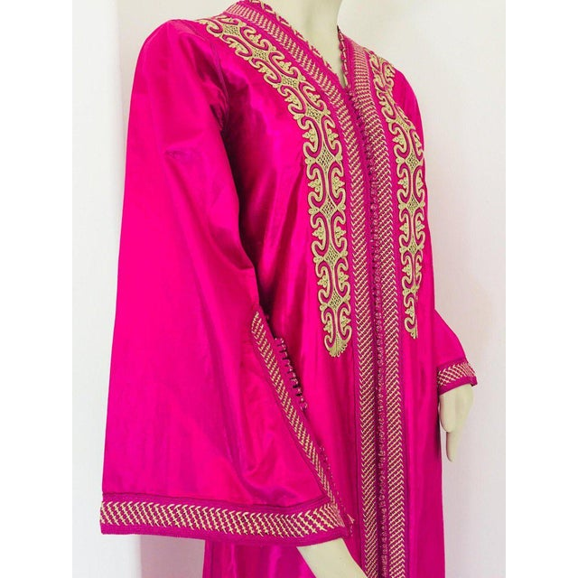 Moroccan Vintage Caftan 1970s Kaftan Maxi Dress Hot Pink Fuchsia For Sale - Image 9 of 13