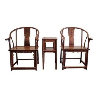 Antique Ming Dynasty Huanghuali Horseshoe-Back Armchairs & Table For Sale