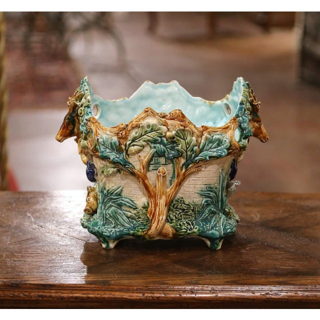 Late 19th Century 19th Century French Painted Majolica Cachepot With Hunt Trophy Motifs For Sale - Image 5 of 13