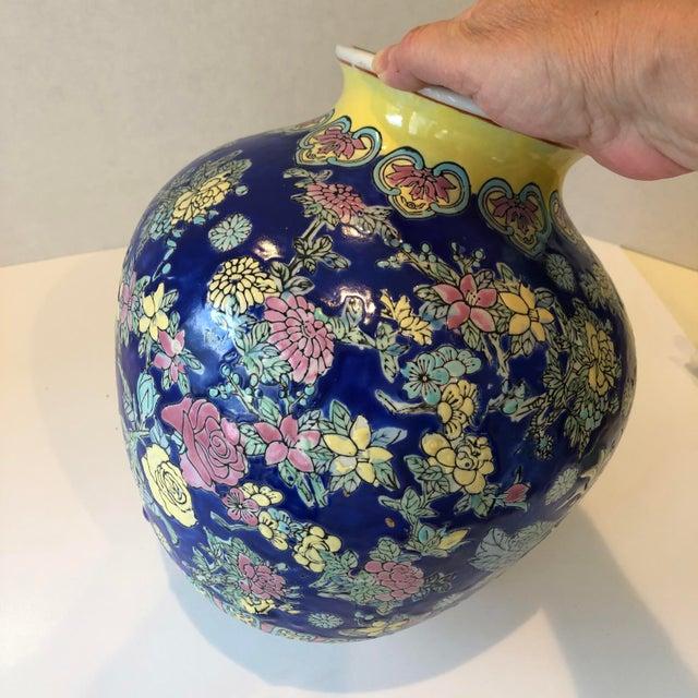 Vintage Blue Chinoiserie Ceramic Vase For Sale - Image 9 of 12