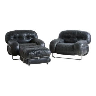 Black Leather and Chrome Italian Lounge Chairs For Sale