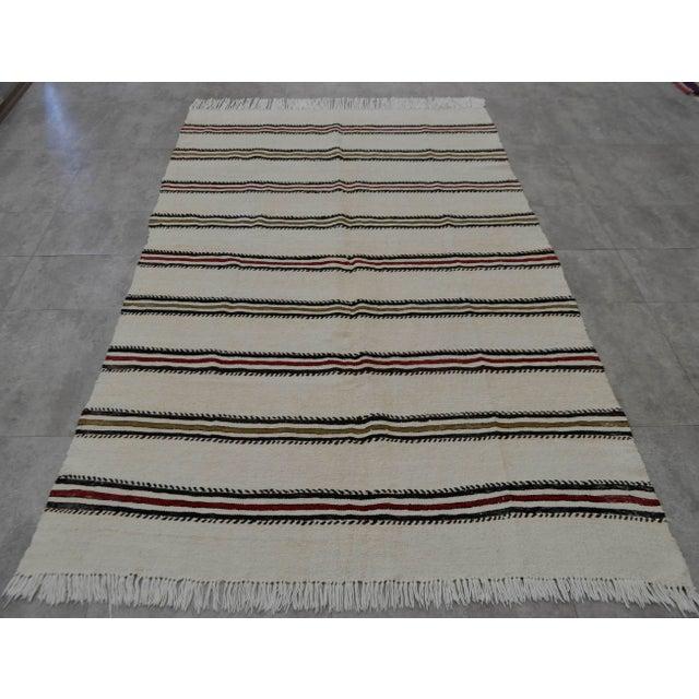 Vintage Natural Turkish Cotton Stripe Kilim Rug - 4′7″ × 7′9″ For Sale - Image 4 of 9