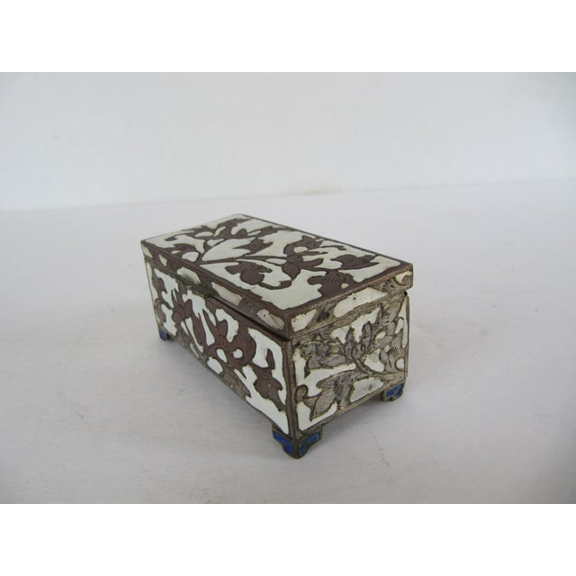 Antique Cloisonnée Two Sided Stamp Box For Sale - Image 4 of 8