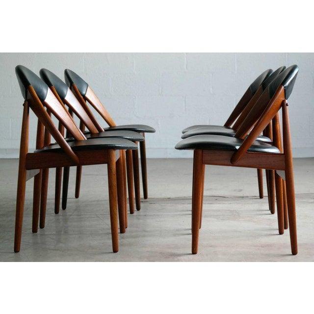 Arne Hovmand-Olsen Mid-Century Modern Dining Chairs by Arne Hovmand Olsen - Set of 6 For Sale - Image 4 of 10