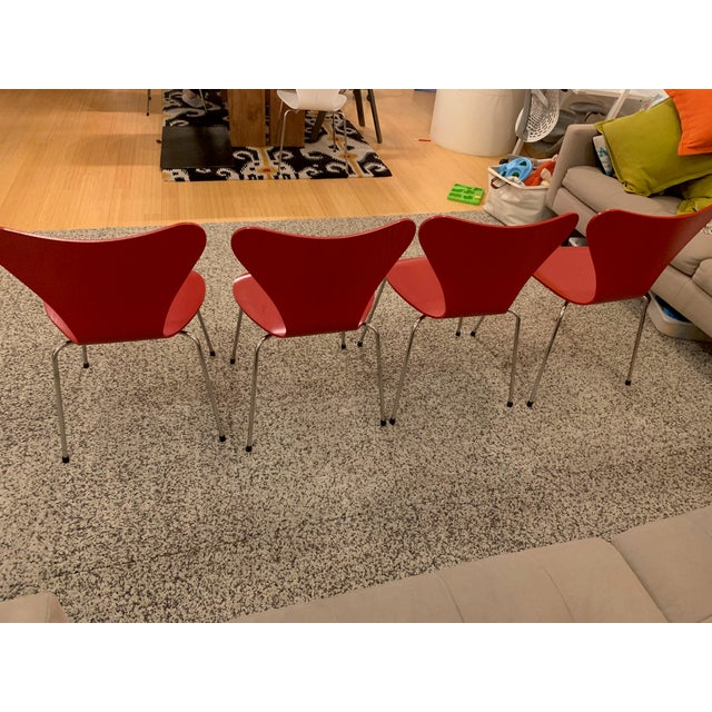 Series 7™ Chairs by Arne Jacobsen for Fritz Hansen - Set of 4 For Sale In New York - Image 6 of 7