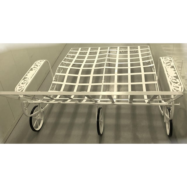 1950s Salterini White Wrought Iron Double Chaise Longue w/ Custom Cushion For Sale In New York - Image 6 of 8