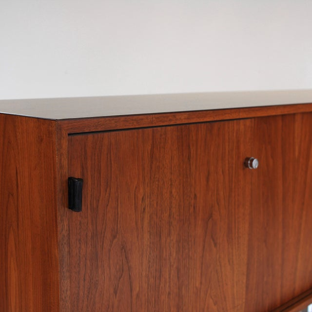 1960s Florence Knoll Walnut Credenza Sideboard For Sale - Image 9 of 13
