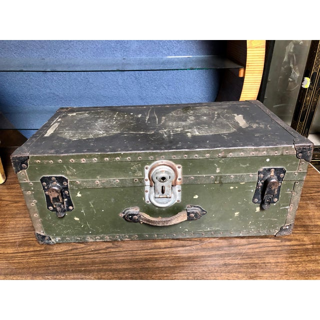 Everyone loves a multi-functional footlocker, trunk and unique way to combine vintage design and storage! This well-worn...