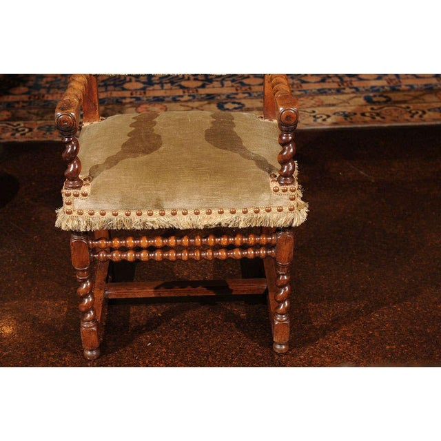 French Walnut Armchair, circa 1720 For Sale In San Francisco - Image 6 of 7