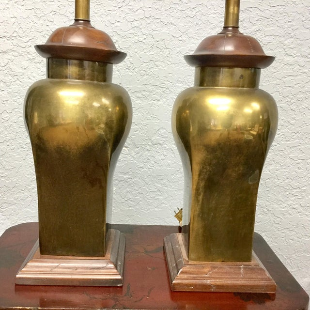 Mid 20th Century 20th Century Hollywood Regency Ethan Allen Brass Table Lamps - a Pair For Sale - Image 5 of 9