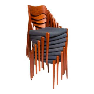 Set of Eight Vintage Møller Model 71 Dining Chairs For Sale