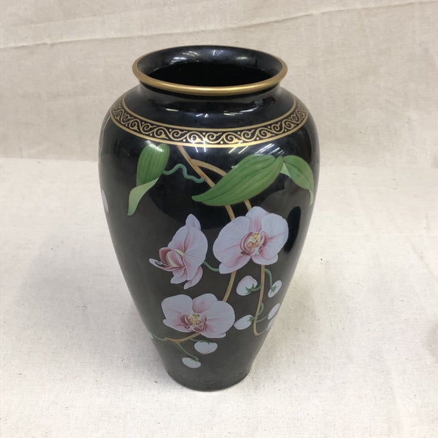 The Franklin Mint Oriental Porcelain Jardiniere - The Vase of the Fragrant Orchid This intricate vase features the...