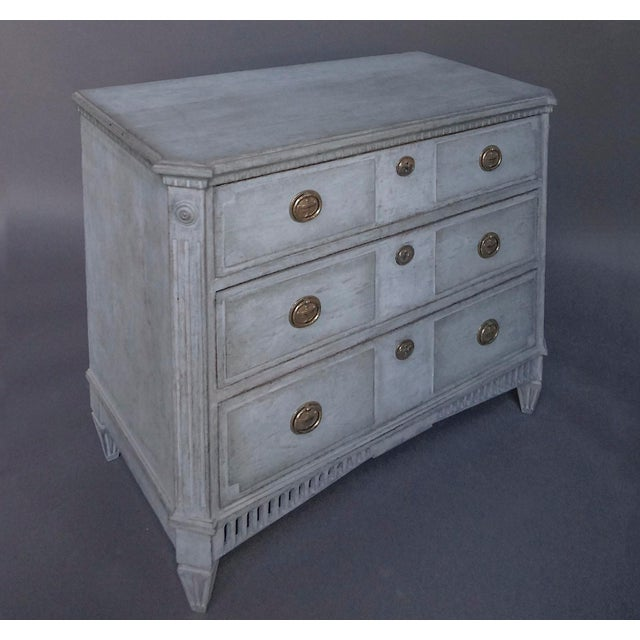 Swedish Neoclassical 3-Drawer Chest For Sale - Image 4 of 8