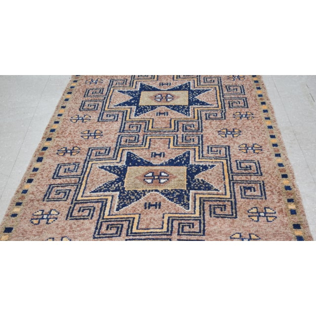 """1950s Boho Chic Peach and Taupe Wool Kurdish Runner - 3'8""""x12'2"""" For Sale - Image 4 of 7"""