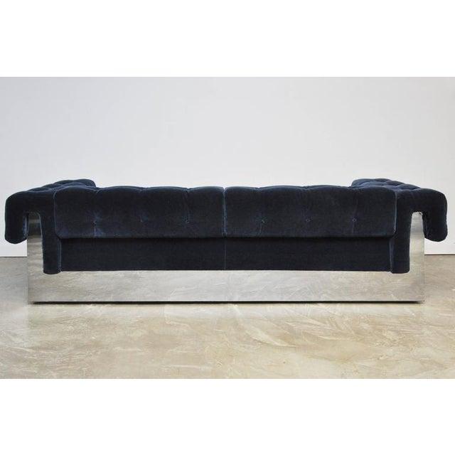 Mid-Century Modern Milo Baughman Chrome Case Sofa in Blue Mohair For Sale - Image 3 of 7