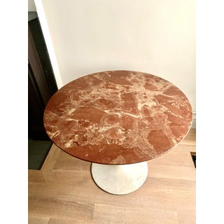 Vintage Saarinen Knoll Marble Table Preview