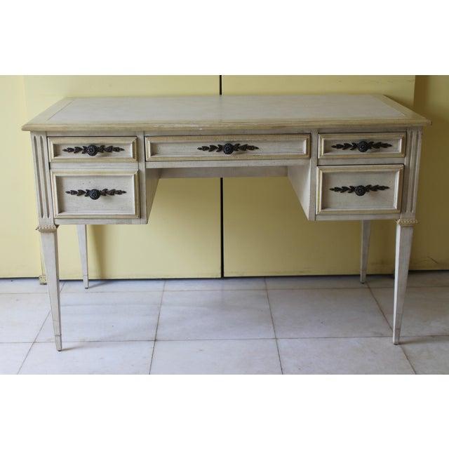 Vintage Ladies Kneehole Writing Desk. Very fine quality.