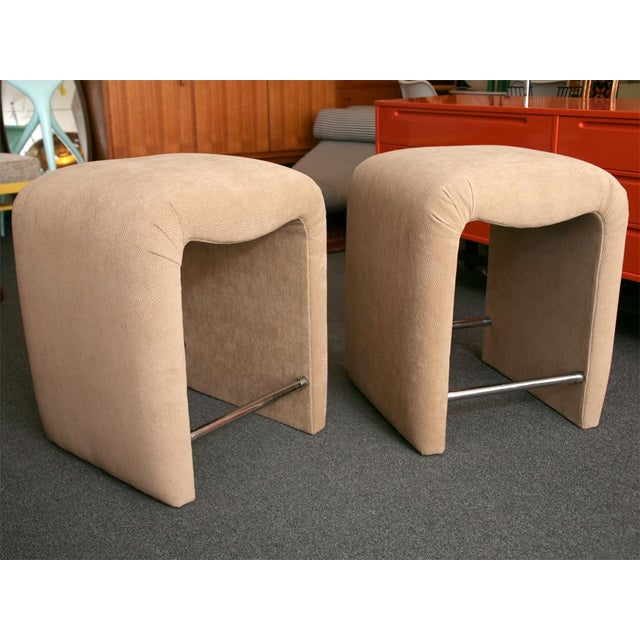 Luxurious Modern Faux Ostrich Upholstered Stools 1970s - Image 5 of 13