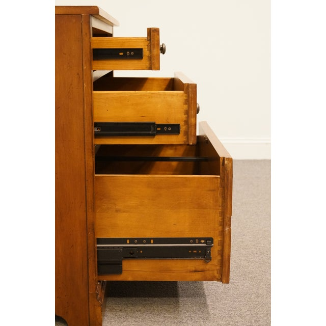 """Wood 20th Century Traditional Sligh Furniture the Ellis Line 32"""" Office Storage File Cabinet For Sale - Image 7 of 13"""