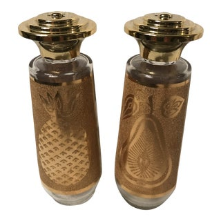 Culver Ltd Chantilly 22k Gold Salt and Pepper Shakers With Pineapple/Pear Design For Sale