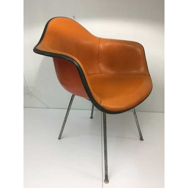 Mid-Century Modern Vintage 'Dax' Armchair in Orange Naugahyde by Charles Eames for Herman Miller For Sale - Image 3 of 13