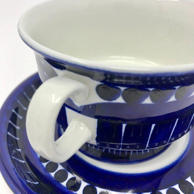 1960s Scandinavian Modern Ulla Procope for Arabia of Finland Valencia Cup and Saucer - 2 Pieces For Sale - Image 10 of 13